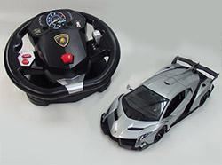名車ランボルギーニ ヴェネーノがハンドルで操作できる!
