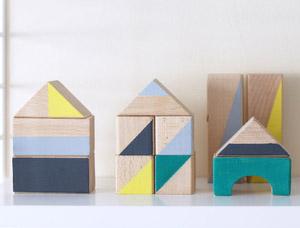 組み立てや並べる際に配色も考えたりして感性も育ちますよ。